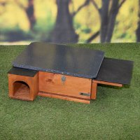 Hedgehog House Riverside Gold c/w feeder attachment